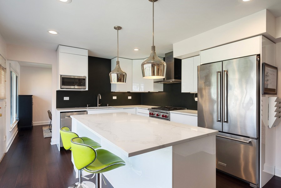 Real Estate Photography - 2423 Happy Hollow, Glenview, IL, 60026 - Kitchen