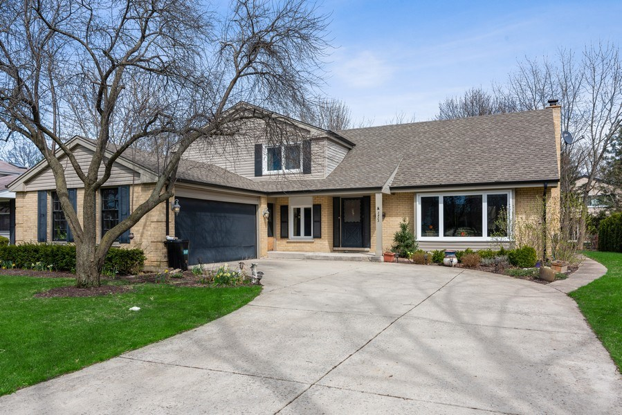 Real Estate Photography - 2423 Happy Hollow, Glenview, IL, 60026 - Front View