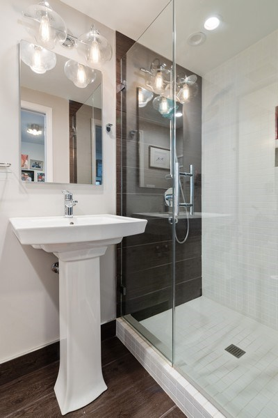 Real Estate Photography - 2423 Happy Hollow, Glenview, IL, 60026 - 2nd Bathroom