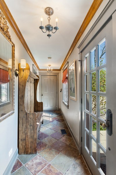 Real Estate Photography - 222 E. Colfax Street, Palatine, IL, 60067 - Entryway