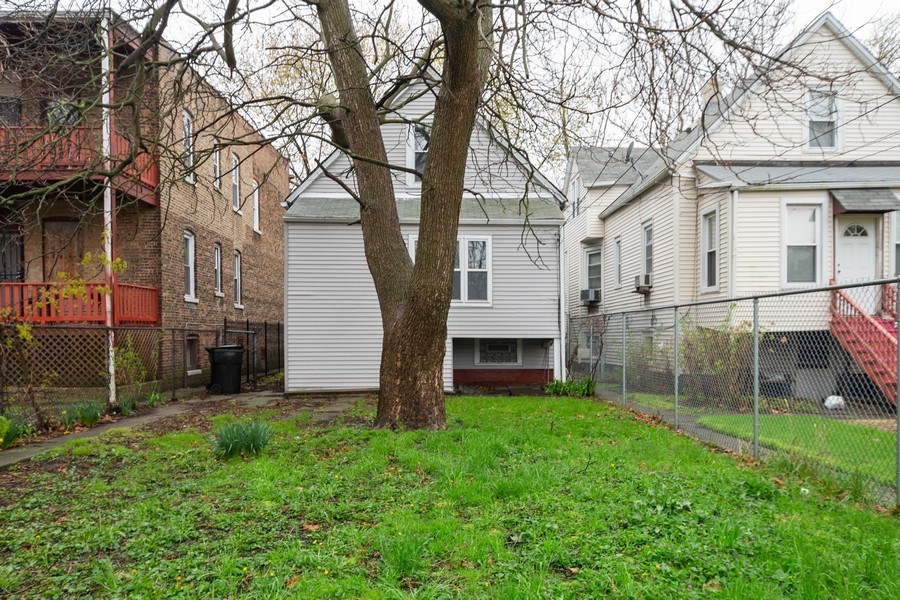 Real Estate Photography - 7823 S. Marquette Ave, Chicago, IL, 60649 - Back Yard