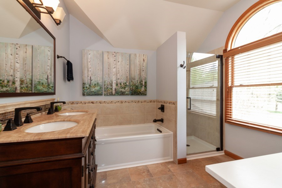 Real Estate Photography - 1S155Myrtle Avenue, Oakbrook Terrace, IL, 60181 - Master Bathroom