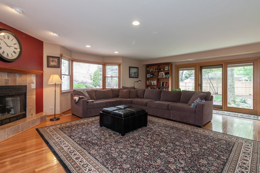Real Estate Photography - 1S155Myrtle Avenue, Oakbrook Terrace, IL, 60181 - Family Room