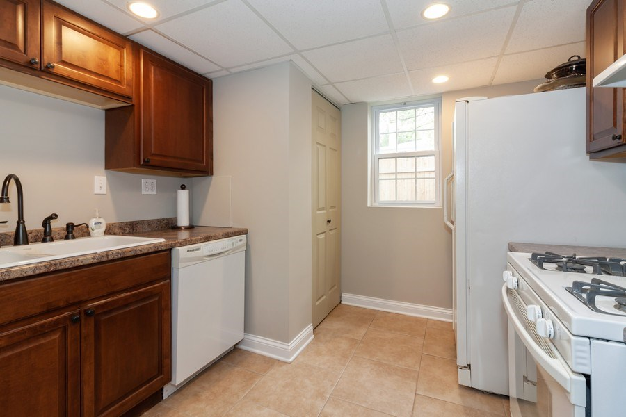 Real Estate Photography - 1S155Myrtle Avenue, Oakbrook Terrace, IL, 60181 - Laundry Room