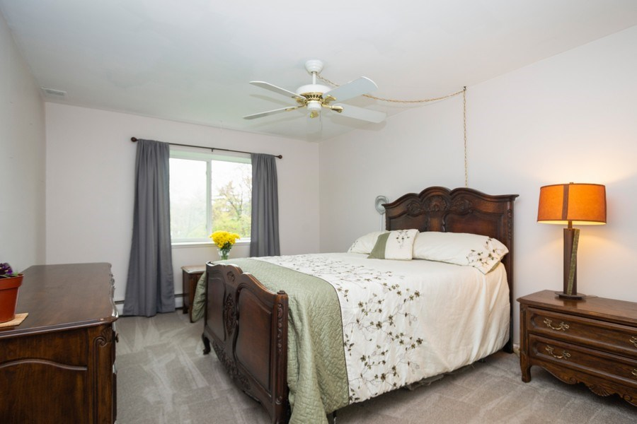 Real Estate Photography - 2315 E Olive, 3C, Arlington Heights, IL, 60004 - Master Bedroom