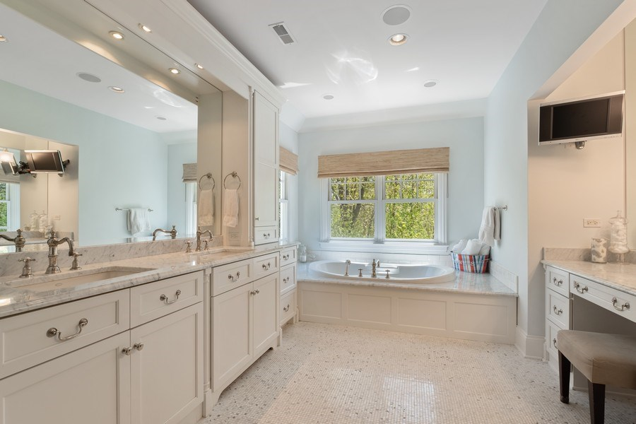 Real Estate Photography - 1549 Stratford Road, Deerfield, IL, 60015 - Master Bath