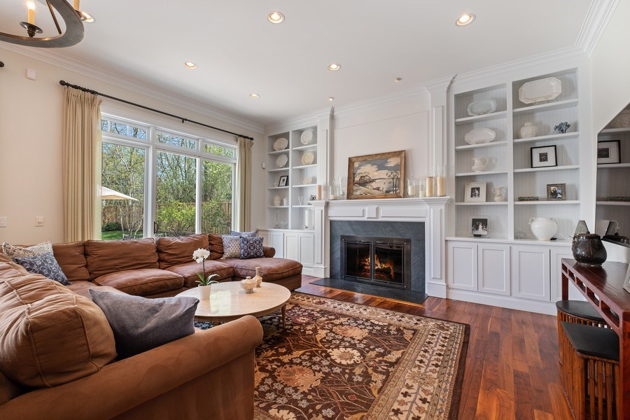 Real Estate Photography - 1549 Stratford Road, Deerfield, IL, 60015 - Great Room