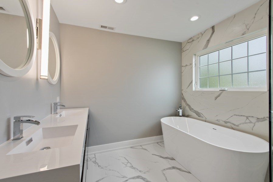 Real Estate Photography - 13 Stacy Ct, Glenview, IL, 60025 - Master Bathroom