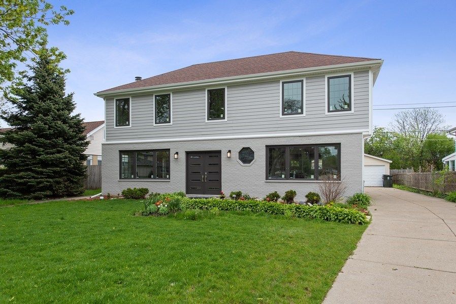 Real Estate Photography - 13 Stacy Ct, Glenview, IL, 60025 - Front View