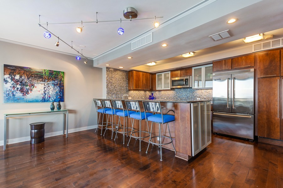 Real Estate Photography - 990 N Lake Shore Dr, 26D, Chicago, IL, 60611 - Kitchen