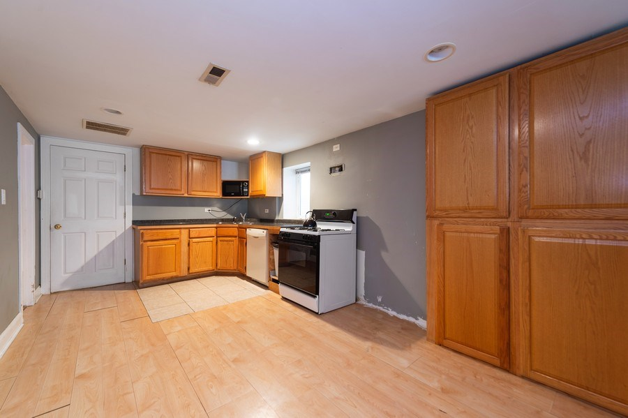Real Estate Photography - 1620 N Troy St, Chicago, IL, 60647 - Kitchen