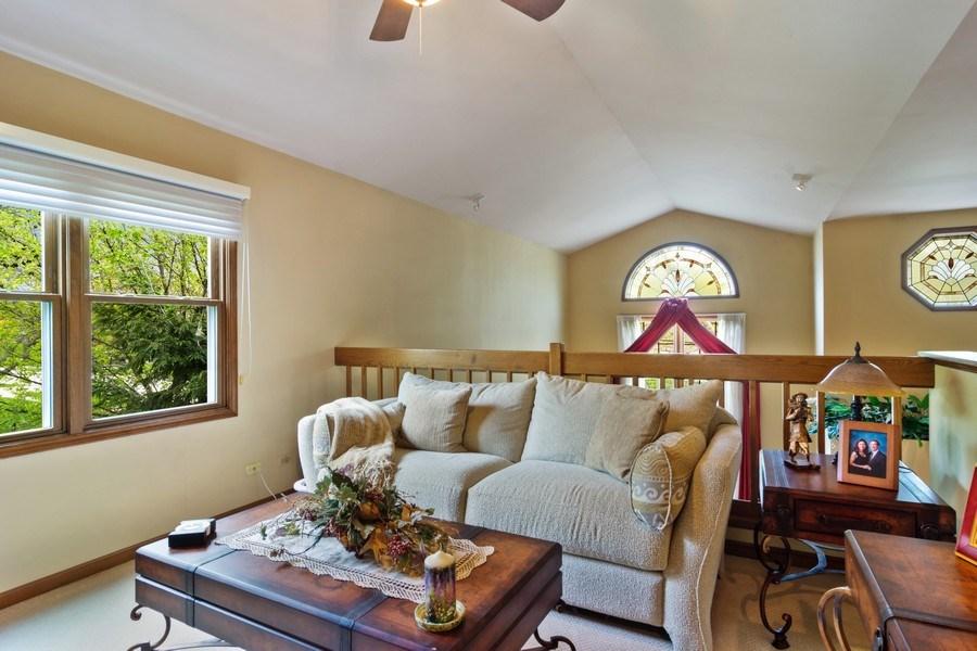 Real Estate Photography - 2451 Walden Ln, Arlington Heights, IL, 60004 - Loft