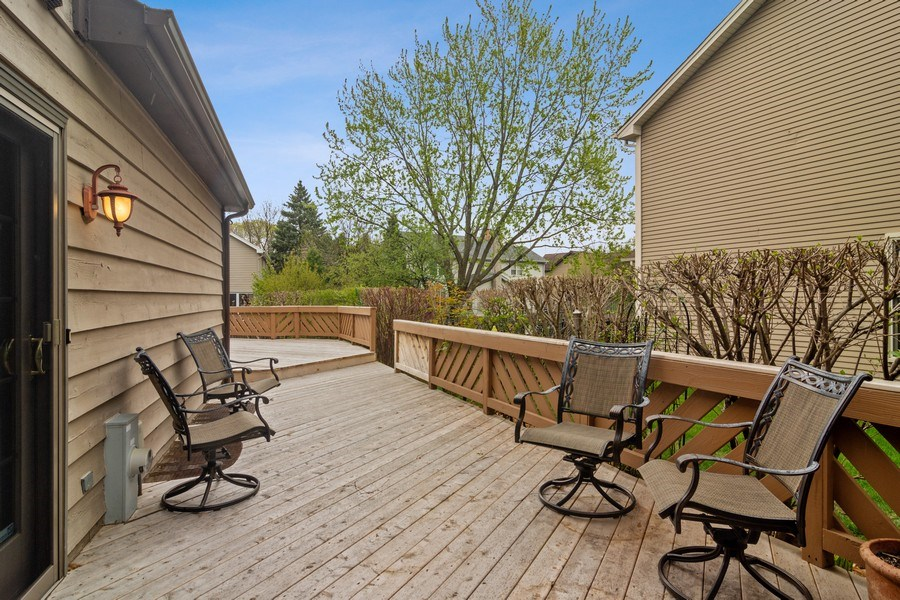 Real Estate Photography - 2451 Walden Ln, Arlington Heights, IL, 60004 - Deck