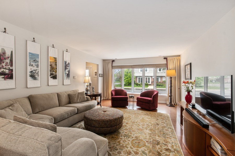 Real Estate Photography - 708 Orleans Dr, Highland Park, IL, 60035 - Living Room