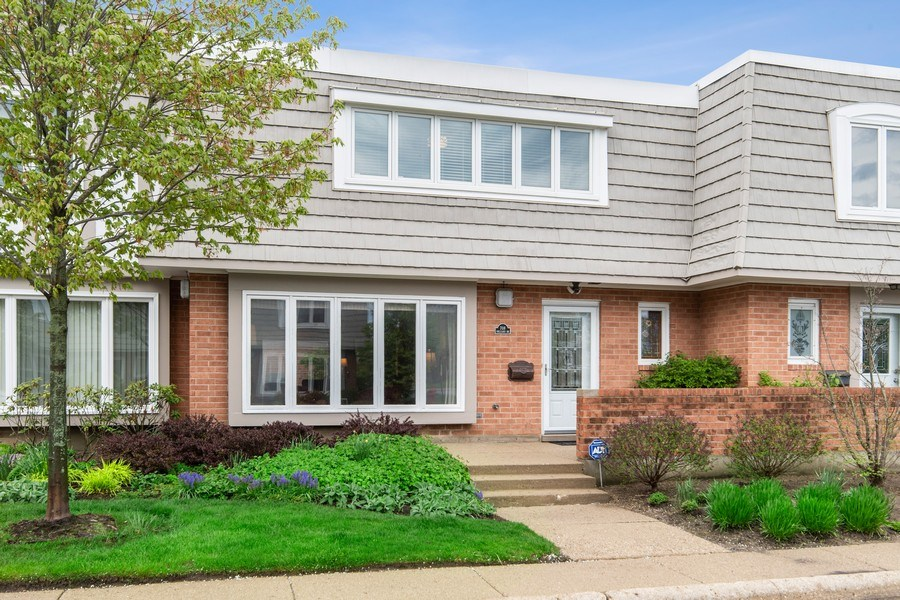 Real Estate Photography - 708 Orleans Dr, Highland Park, IL, 60035 - Front View