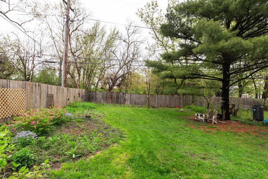 Real Estate Photography - 2303 Hutchison, Flossmoor, IL, 60422 - Back Yard