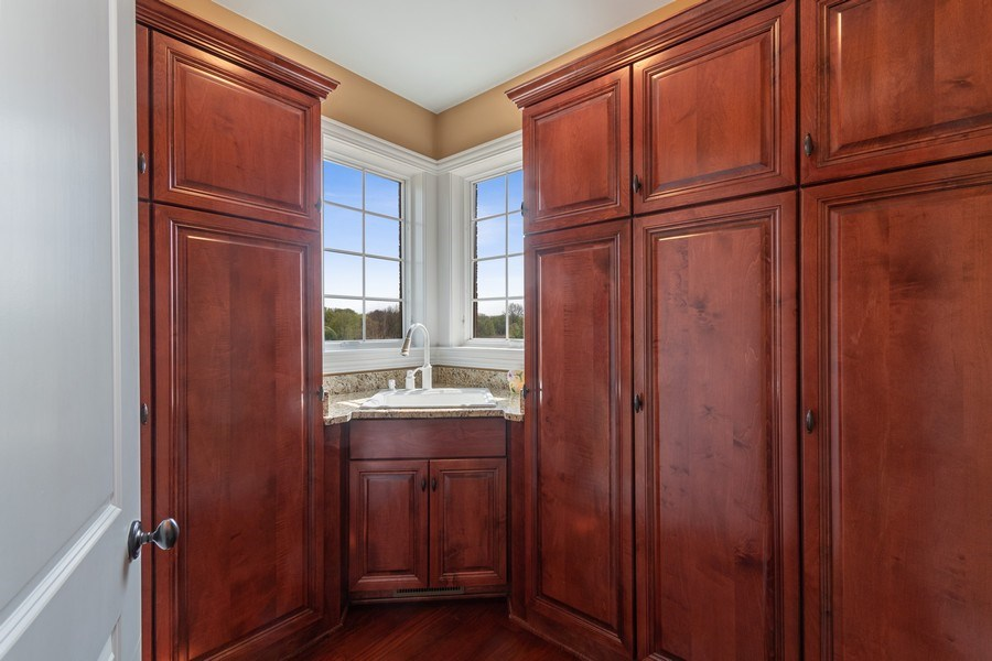 Real Estate Photography - 39W165 Longmeadow Ln, St. Charles, IL, 60175 - Mudroom