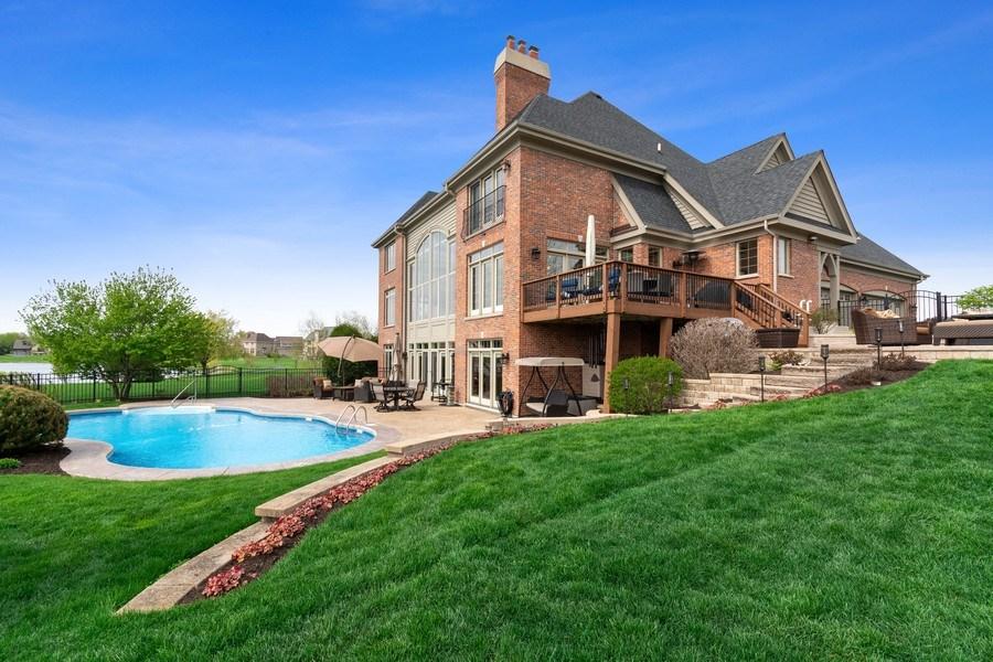 Real Estate Photography - 39W165 Longmeadow Ln, St. Charles, IL, 60175 - Back Yard