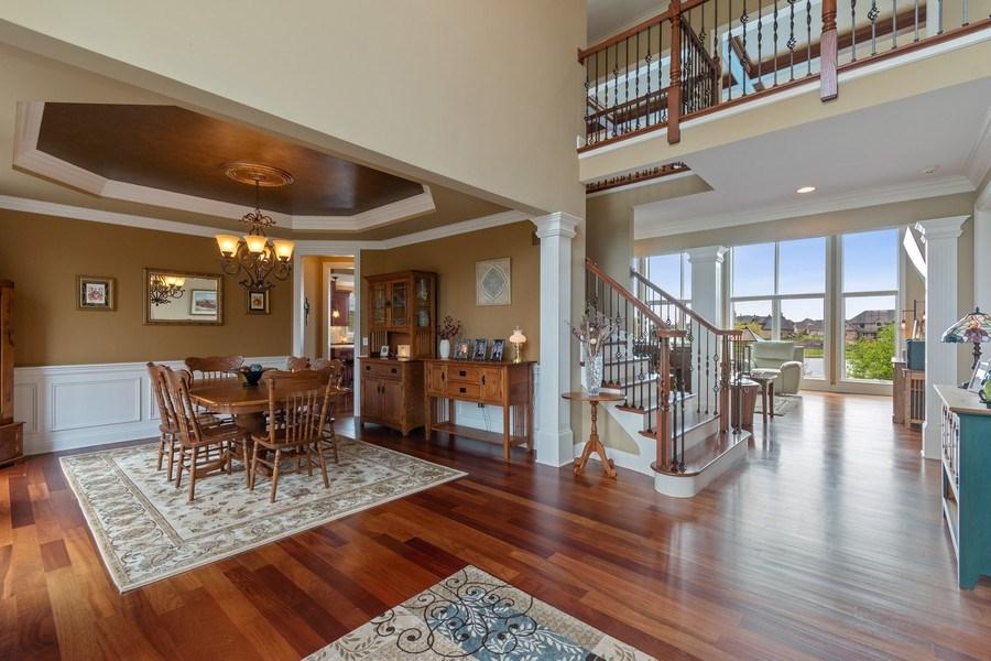 Real Estate Photography - 39W165 Longmeadow Ln, St. Charles, IL, 60175 - Foyer