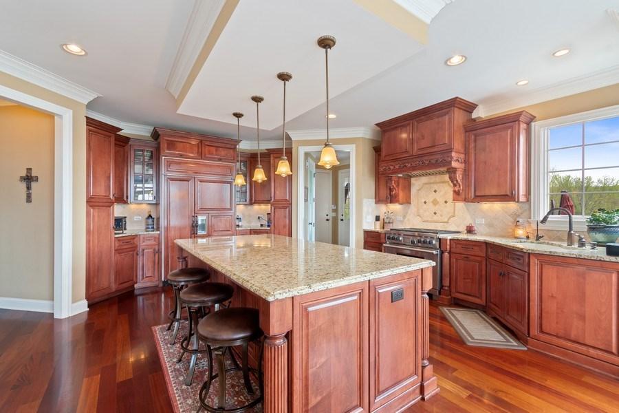 Real Estate Photography - 39W165 Longmeadow Ln, St. Charles, IL, 60175 - Kitchen