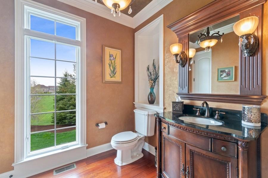 Real Estate Photography - 39W165 Longmeadow Ln, St. Charles, IL, 60175 - Half Bath