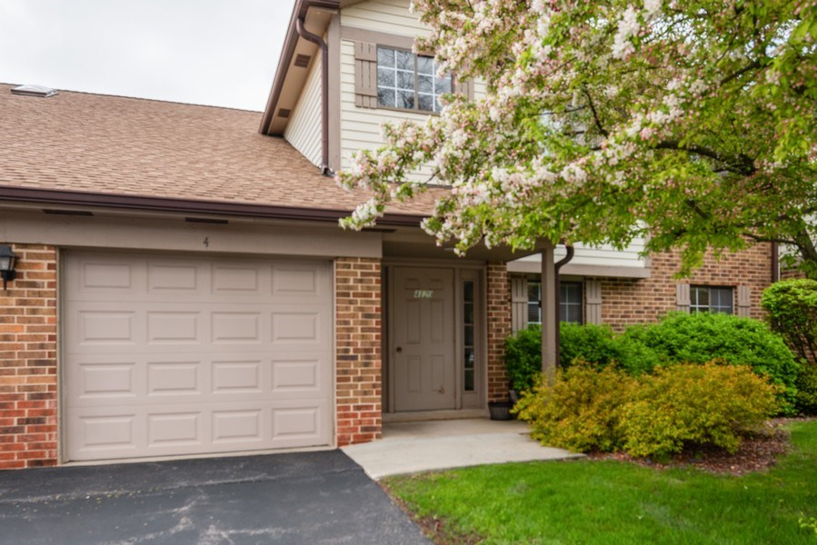 Real Estate Photography - 4120 N Mallard Drive, Unit 4, Arlington Heights, IL, 60004 - Front View
