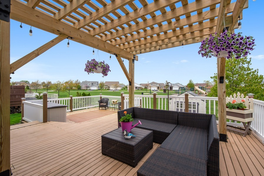 Real Estate Photography - 265 Mallards Cove, Beecher, IL, 60401 - Deck