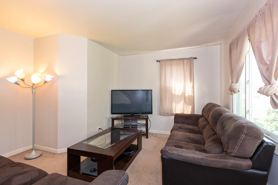 Real Estate Photography - 2N047 Edgewood Ave, Lombard, IL, 60148 - Living Room