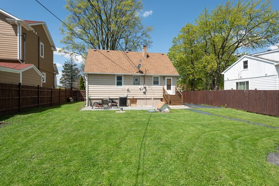 Real Estate Photography - 2N047 Edgewood Ave, Lombard, IL, 60148 - Rear View