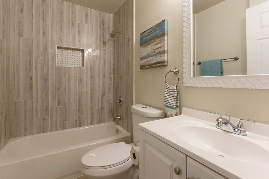 Real Estate Photography - 107 Dolores ST, Oswego, IL, 60543 - 2nd Bathroom