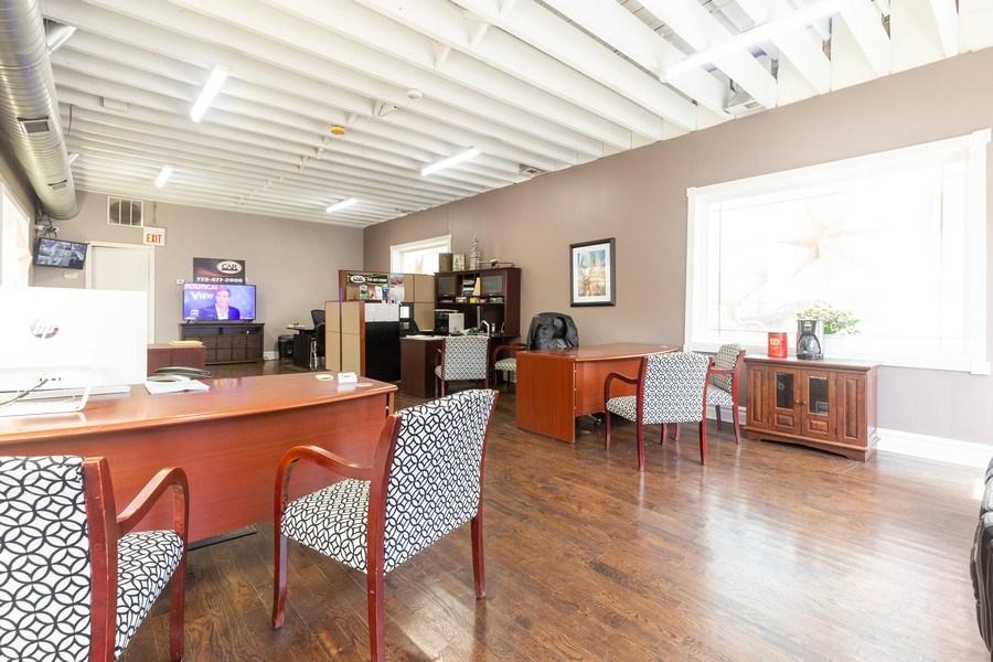 Real Estate Photography - 1330 S Cicero, Cicero, IL, 60804 - Office