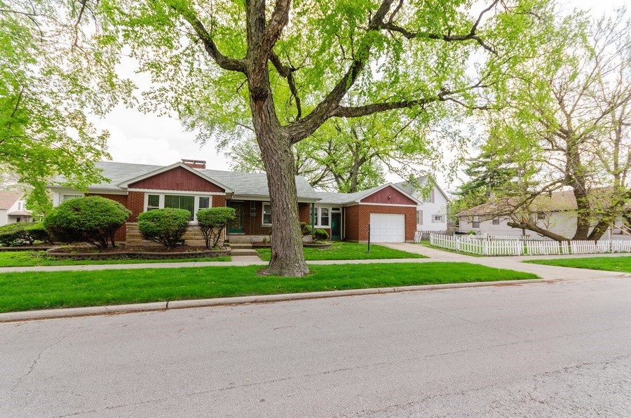 Real Estate Photography - 11605 S. Parnell, Chicago, IL, 60628 - Front View