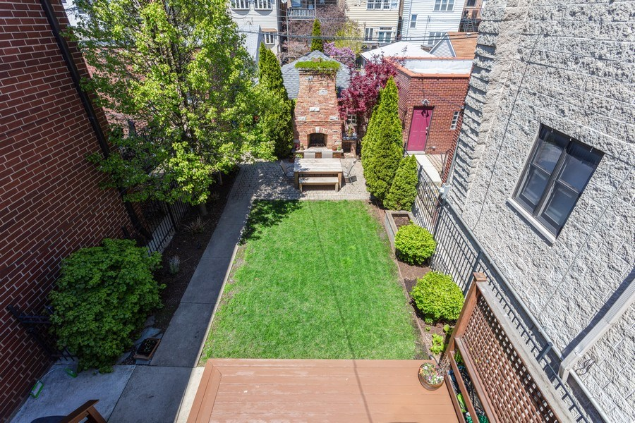 Real Estate Photography - 2432 W Huron St, Chicago, IL, 60612 - View