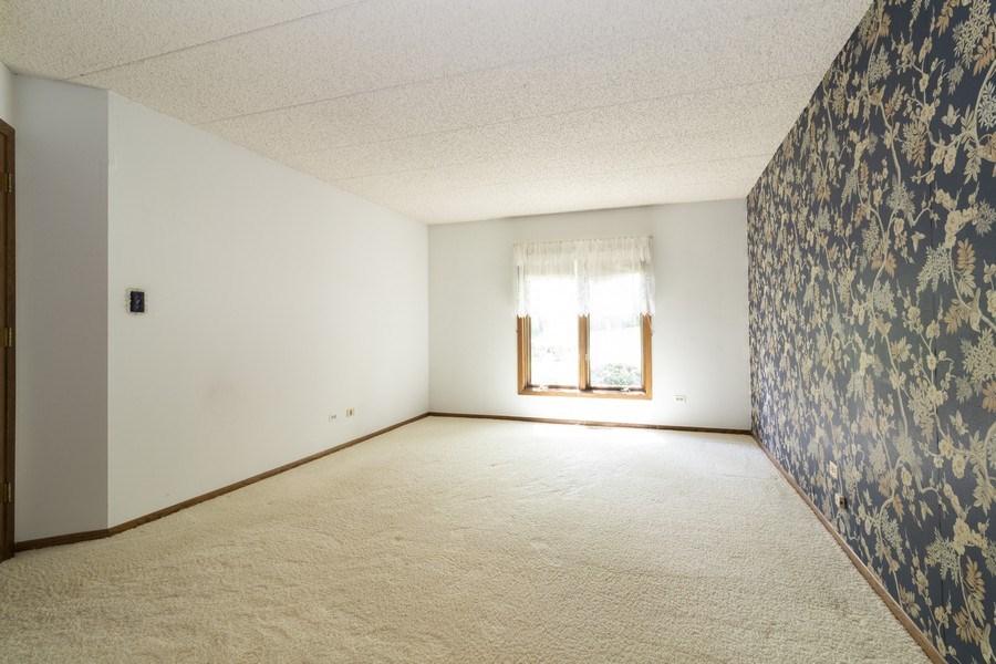 Real Estate Photography - 8140 W Brookside Dr, Unit 101, Palos Park, IL, 60464 - Master Bedroom