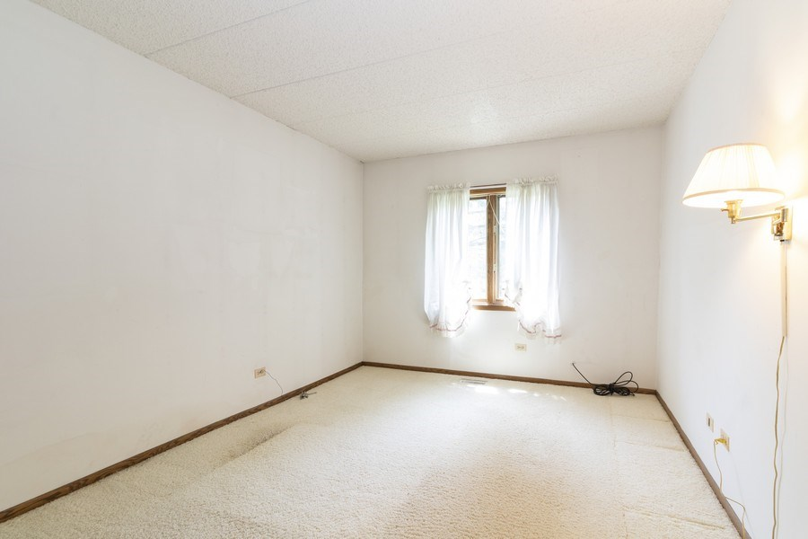 Real Estate Photography - 8140 W Brookside Dr, Unit 101, Palos Park, IL, 60464 - Bedroom