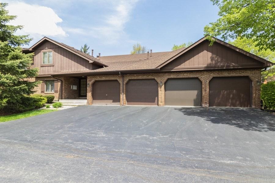 Real Estate Photography - 8140 W Brookside Dr, Unit 101, Palos Park, IL, 60464 - Front View