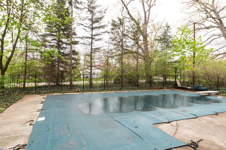 Real Estate Photography - 12420 S Iroquois Rd, Palos Park, IL, 60464 - Pool