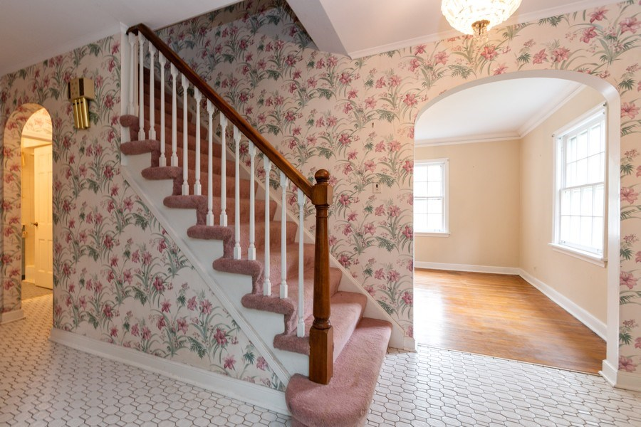 Real Estate Photography - 12420 S Iroquois Rd, Palos Park, IL, 60464 - Foyer