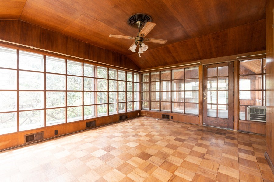 Real Estate Photography - 12420 S Iroquois Rd, Palos Park, IL, 60464 - Sun Room