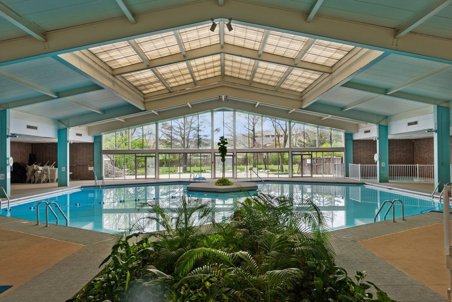 Real Estate Photography - 3925 Triumvera, Glenview, IL, 60025 - Pool
