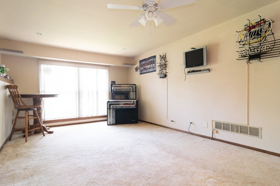 Real Estate Photography - 1574 Brookside Dr., Hoffman Estates, IL, 60194 - Recreational Area