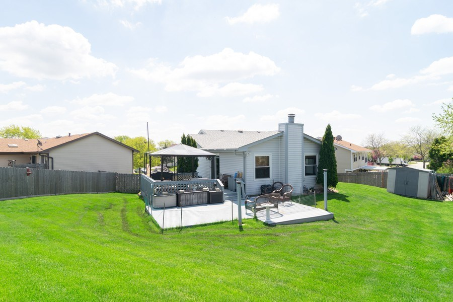 Real Estate Photography - 1574 Brookside Dr., Hoffman Estates, IL, 60194 - Rear View