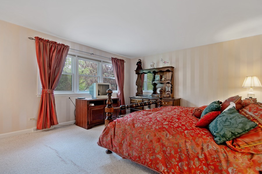 Real Estate Photography - 105 Medinah lane, Barrington, IL, 60010 - 2nd Bedroom
