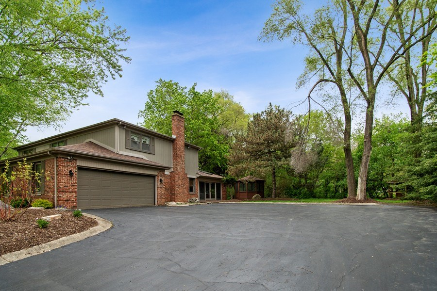 Real Estate Photography - 105 Medinah lane, Barrington, IL, 60010 - Front View