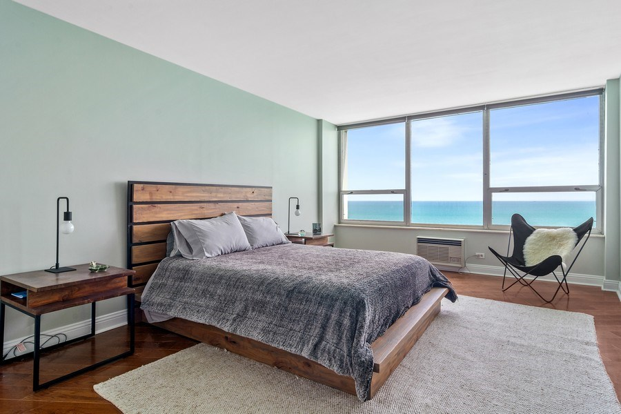 Real Estate Photography - 6101 N Sheridan Rd East unit 29-B, Chicago, IL, 60660 - Master Bedroom