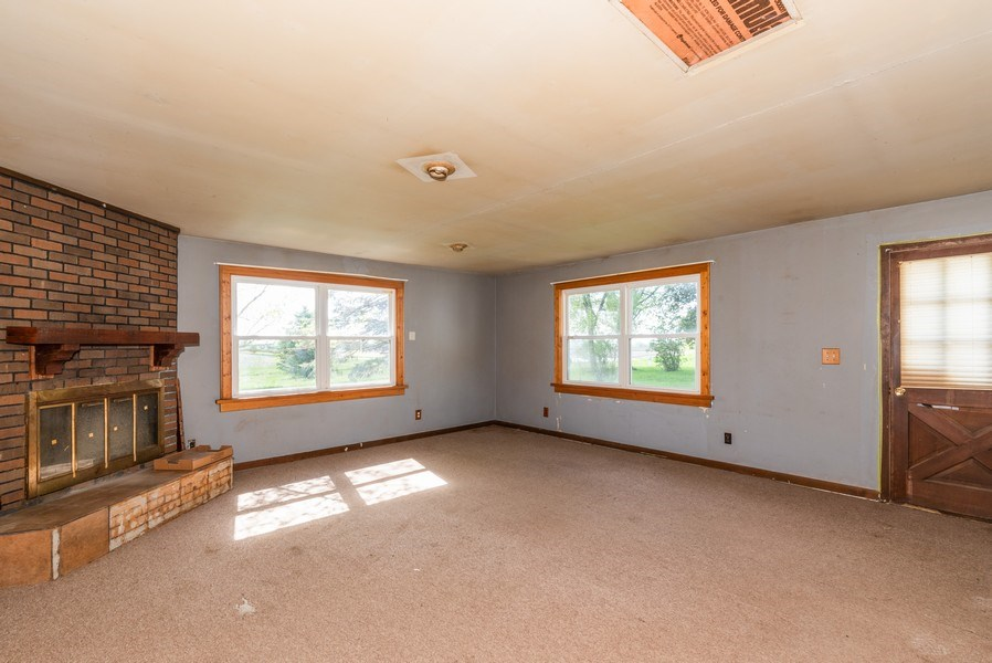 Real Estate Photography - 648 E. Eagle Lake Road, Beecher, IL, 60401 - Family Room