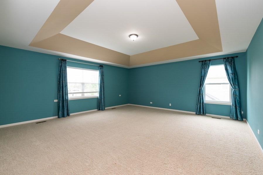 Real Estate Photography - 436 W Amberside Drive, Elgin, IL 60124, Elgin, IL, 60124 - Master Bedroom