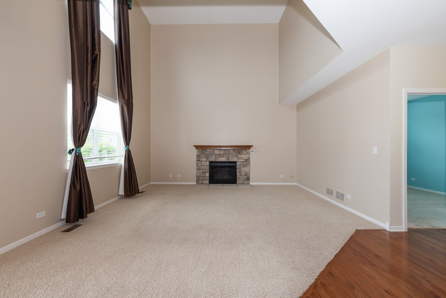 Real Estate Photography - 436 W Amberside Drive, Elgin, IL 60124, Elgin, IL, 60124 - Family Room