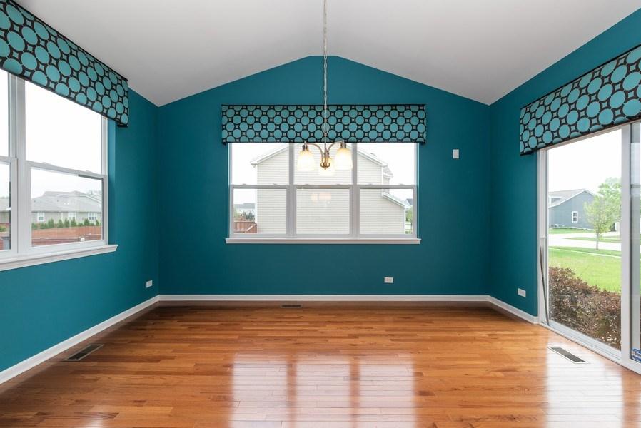 Real Estate Photography - 436 W Amberside Drive, Elgin, IL 60124, Elgin, IL, 60124 - Sun Room