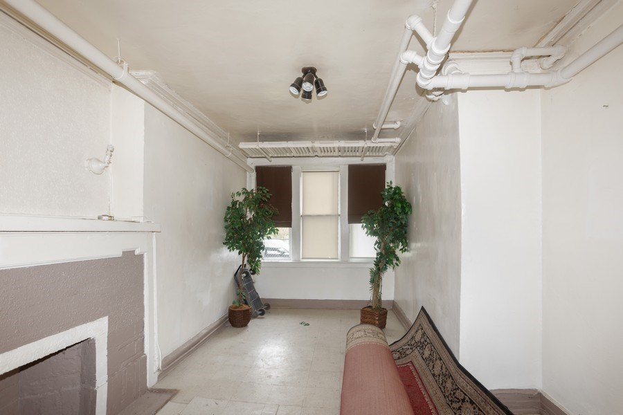 Real Estate Photography - 430 44th St, Chicago, IL, 60653 - Living Room